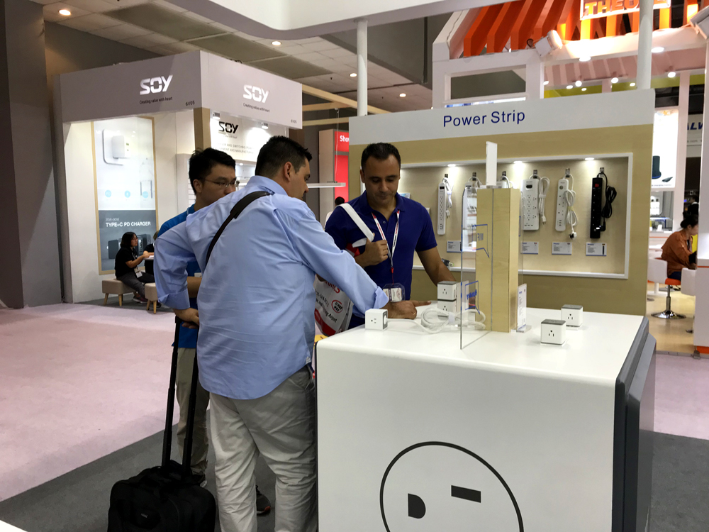 cubic-outlet Big Hit in Global Sources Electronics, Huntkey Smart Charging Devices Showed Its Charm to the World